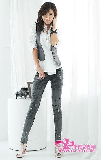 超显瘦牛仔裤让你变身焦点女郎-搭配